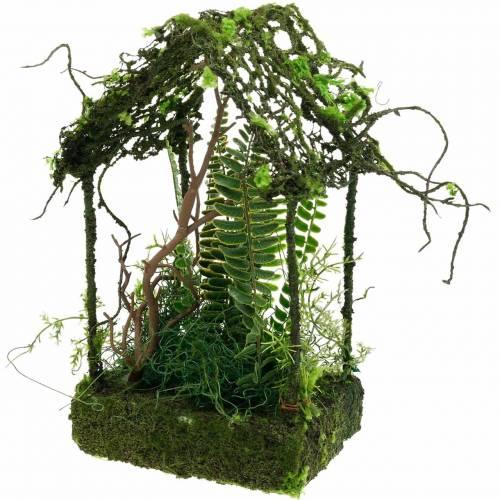 Dom z trawy z mchu, sztuczny mech i paproć